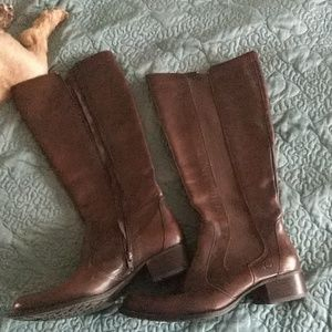 Born women's brown leather boots